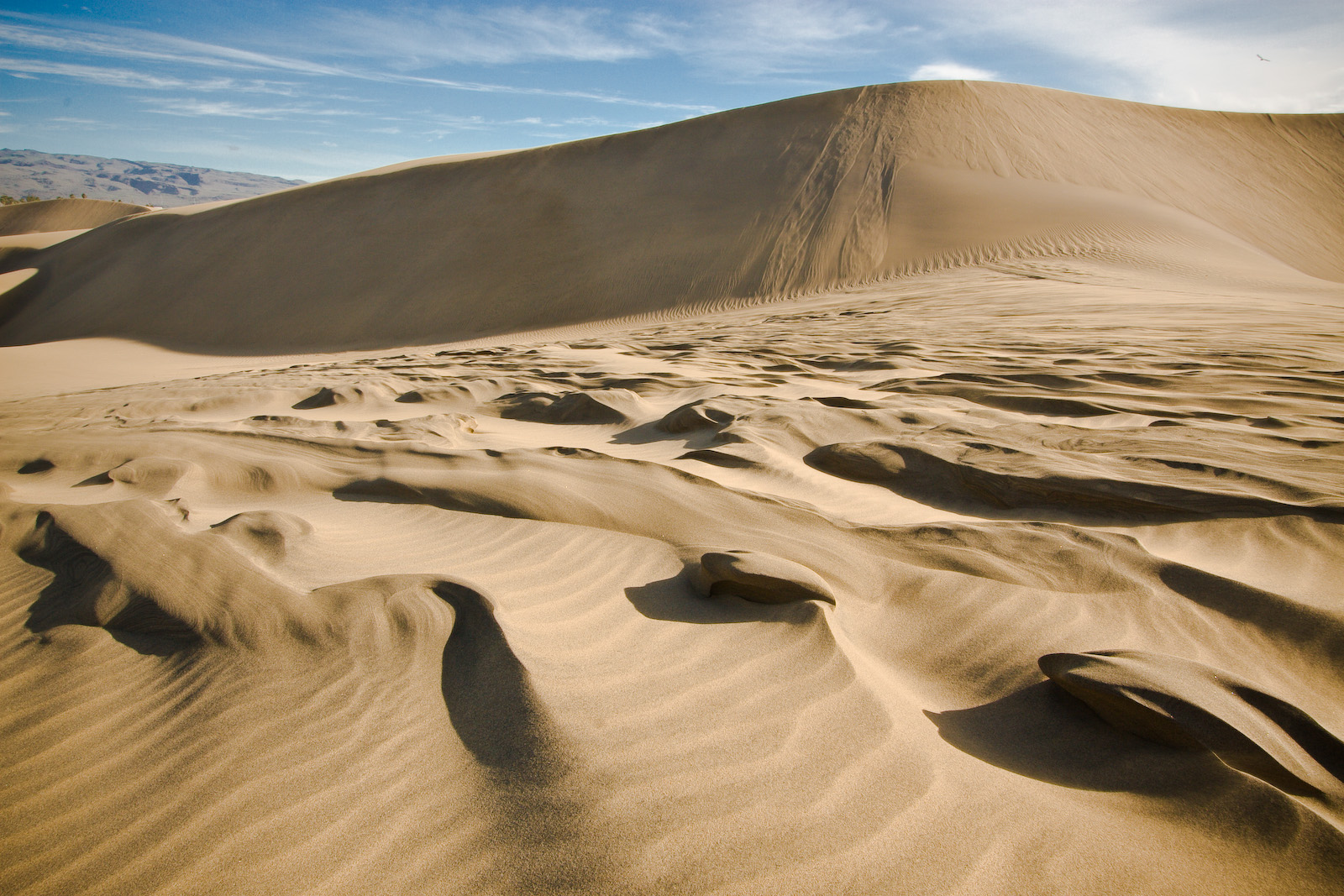 Advanced photo manipulation: Create a quicksand abyss ...